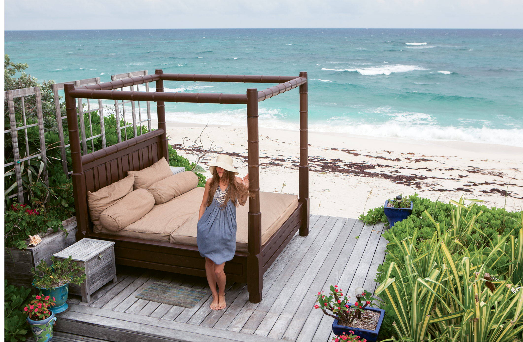 A cozy perch at Leapin' Lizards' oceanfront digs