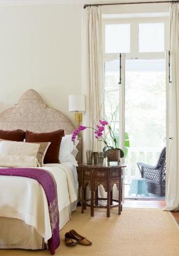 bedroom_past_forward.jpg