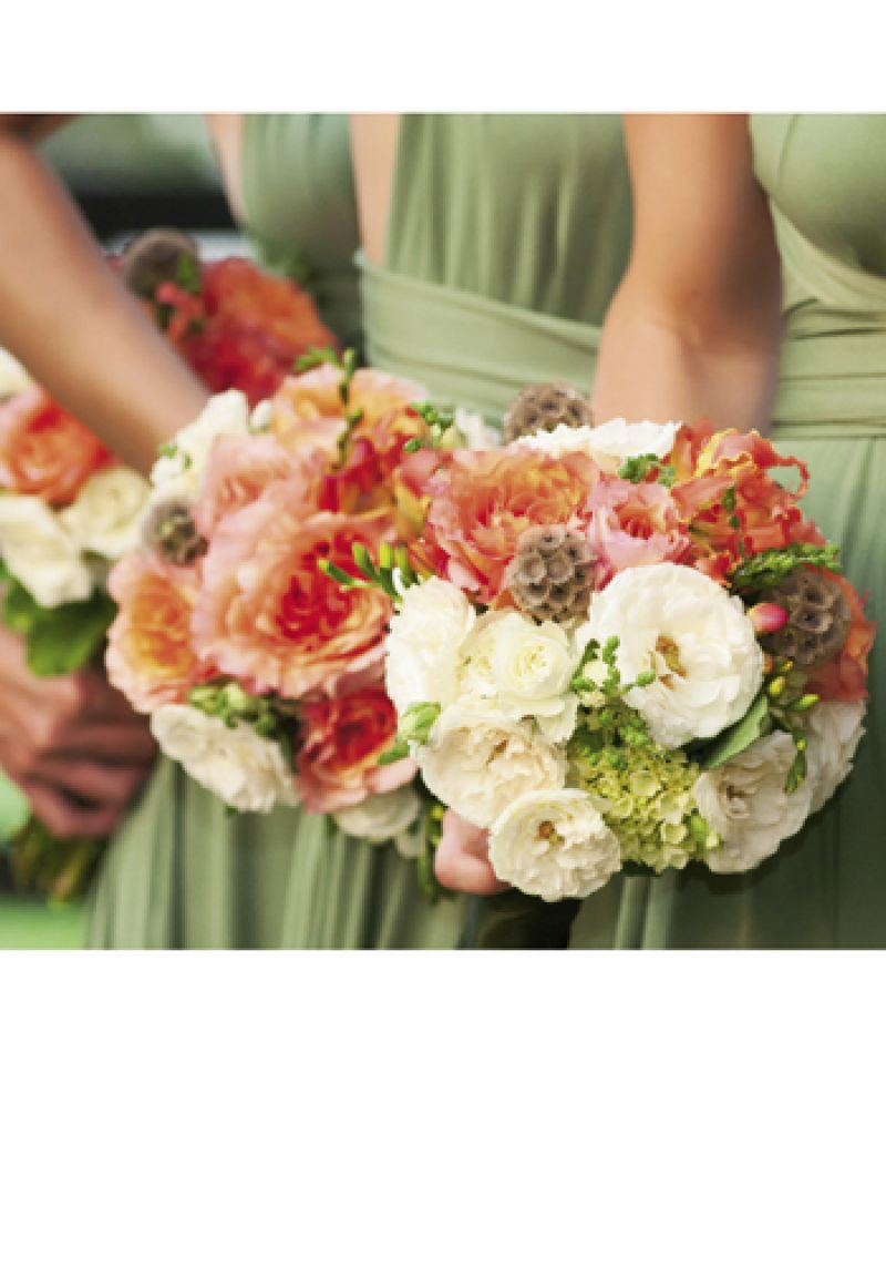 What a Handful: Terri Tezza of Ooh! Events assembled bridesmaids bouquets of geraniums