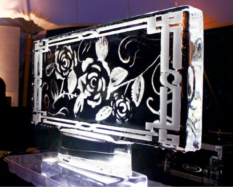 Elegant ice sculptures made for  beautiful decorations.
