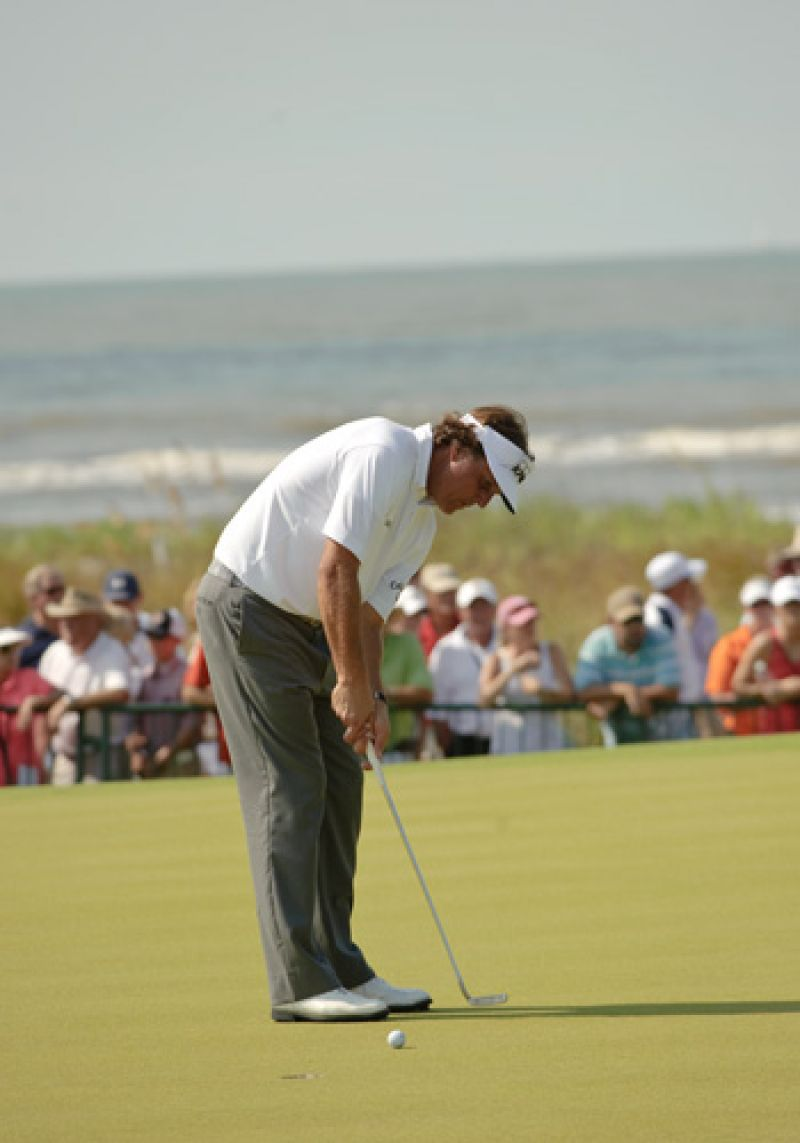 Phil Mickelson worked on the putting green for over an hour.