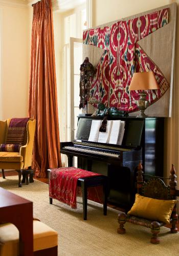 well_dressed_piano.jpg