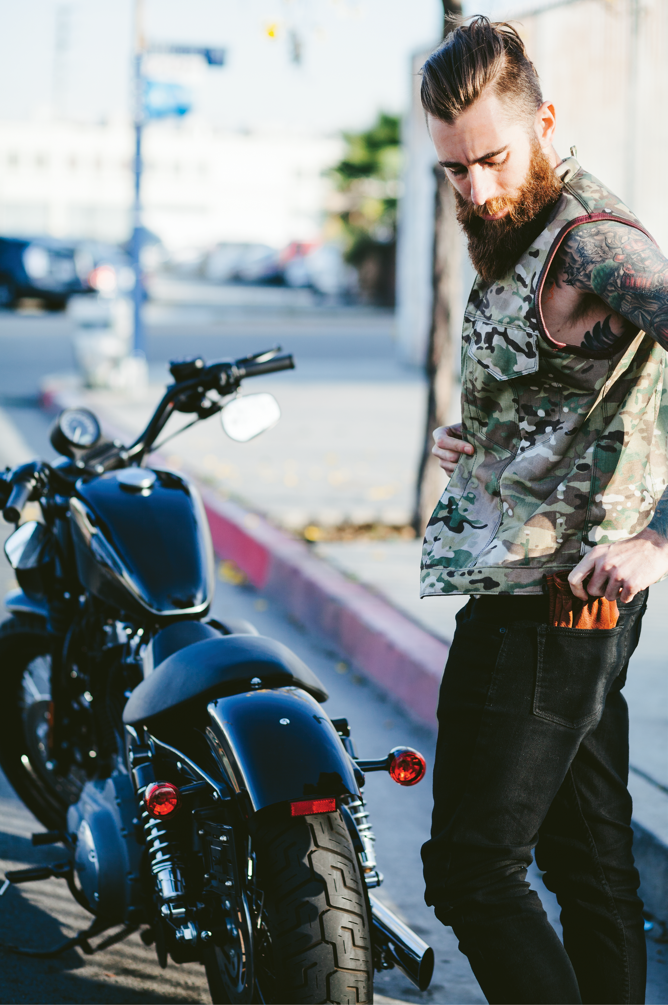 Meanwhile Grifter gloves begin with soft, durable bison leather and hit high-speed style from there.