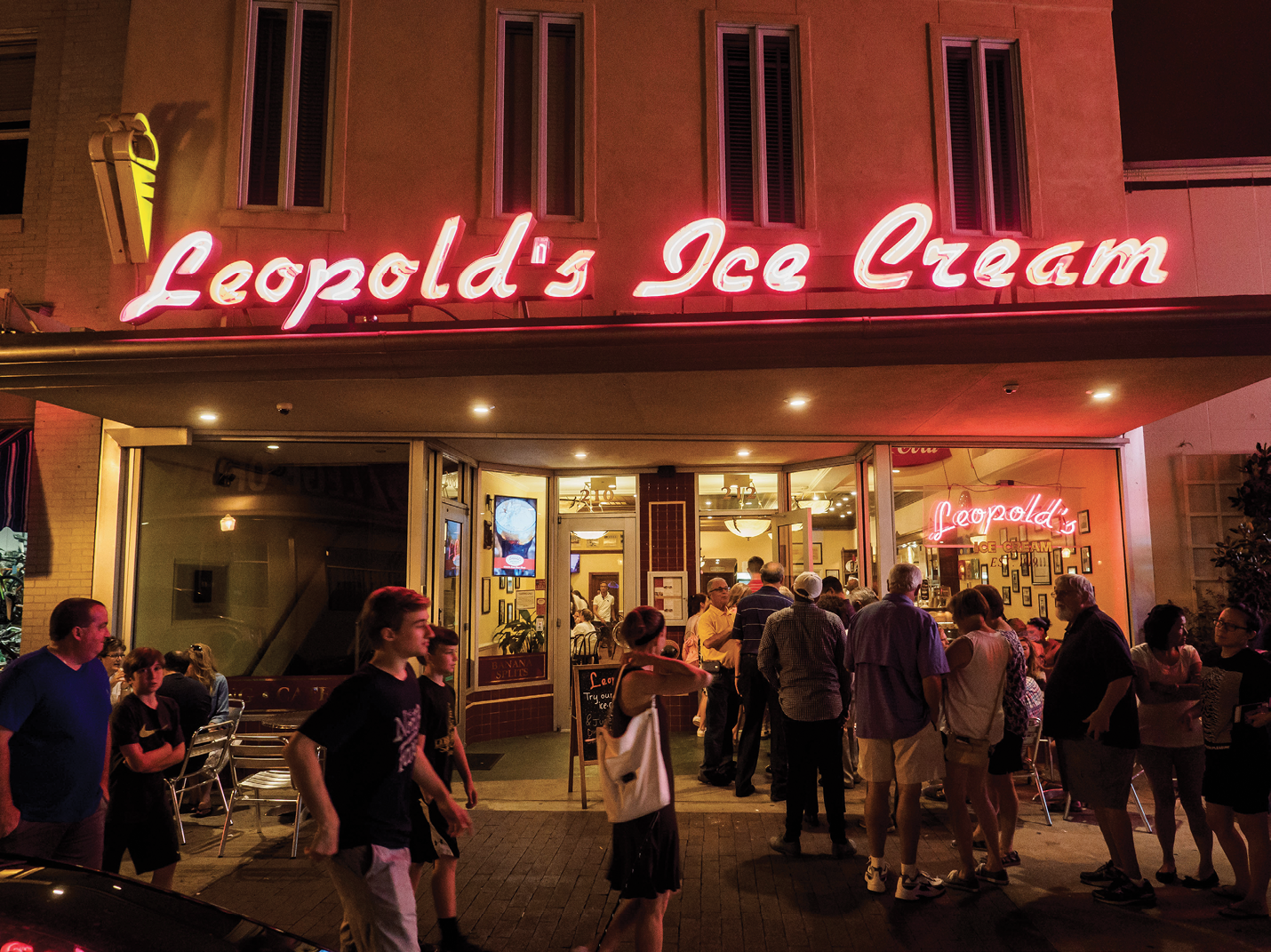 The after-dinner crowd queues up at Leopold's Ice Cream, which was established 98 years ago and stays open until midnight on weekends.