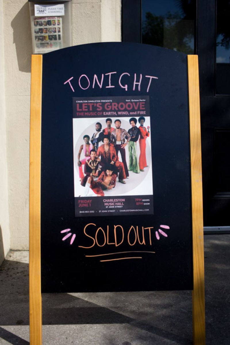 The sold out show paid energetic homage to the smooth and groovy sounds of '70s super group Earth, Wind & Fire.
